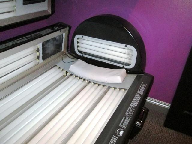 Ets Platinum  Tanning Bed